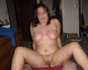 20 nude milfs, spread pussy and ready