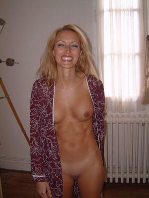 mature milf naked