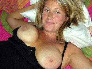 Horny mature moms with fucking big and..