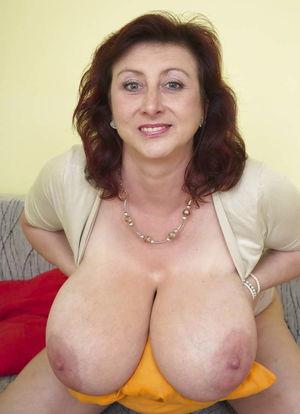 Saggy Tits Mature - Pics - xHamster