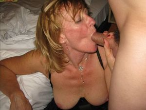 Cum On Wives - Real submitted pics of..