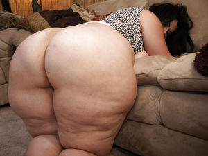 Big mature fat booty - Hairy -..