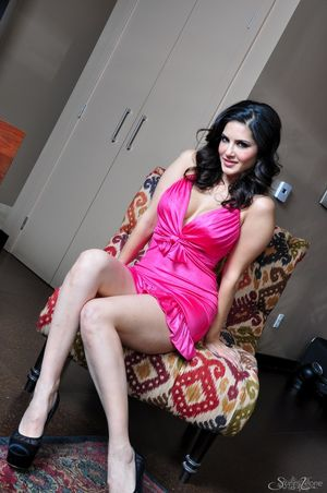 Sexy pornstar from india in pink..