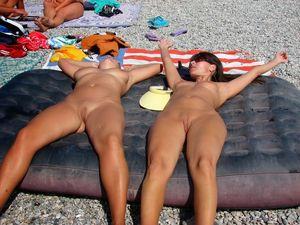 Plajda çıplak nudist porno resimleri..