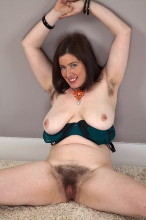 mature janey hairy pussy
