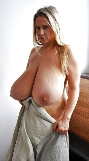 Giant Natural Tits - Pics - xHamster