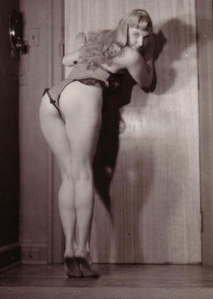 Mammas Porn Pics Vintage Round Butt -..