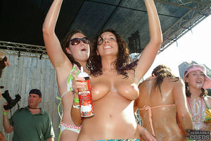 Super hot nude pics of real college..