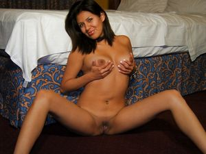 Hot ex gf babe naked in a hotel room...