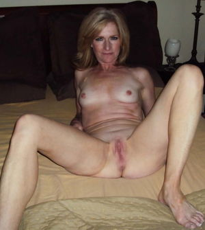 Sexy Mature Slut With A Hot Body -..