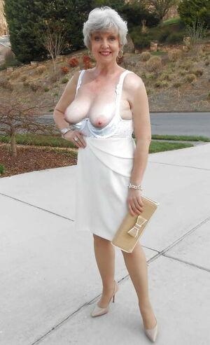 Gran granny mature milf tits - Pics -..