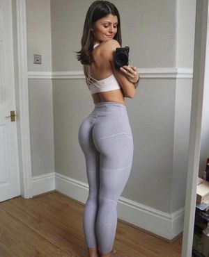 ITT: Pics(or video) of Girls wearing..