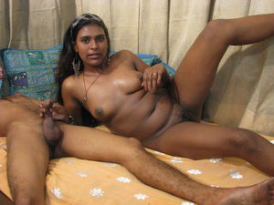 Indian slut sucks dick - Pichunter