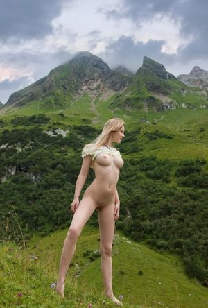 Sexy Mountain Girl TikiTumble NSFW