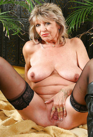Older mature video clips - MILF