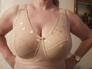 Big boobsmom bra and son - Big tits