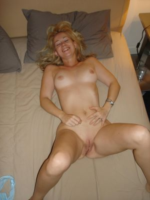 nerdy blonde nice tits - Free Porn Jpg