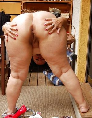Mom Fat old Granny Chubby Plumper Ass..