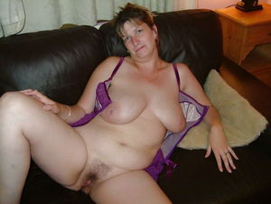 Amateurs Matures Milfs Housewives -..
