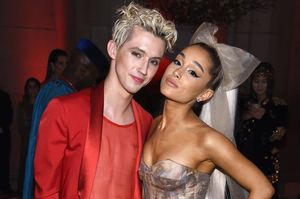 @troyesivan and @arianagrande drop..