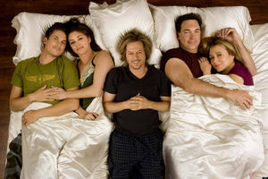 Watch Rules of Engagement Season 4..