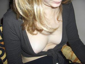 Downblouse cleavage nipslip 08..