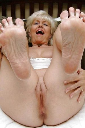 Download Sex Pics 70 Year Old Granny..