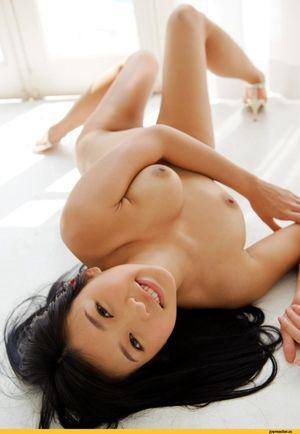 beautiful naked asian girls