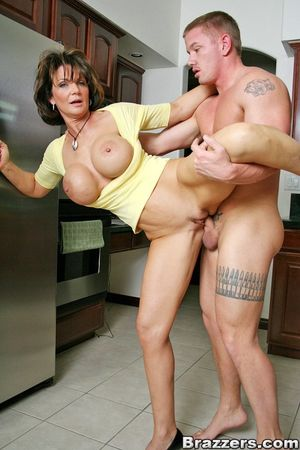 Big titted mom Deauxma getting her..