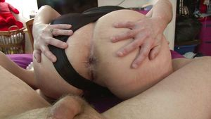 Mexican mature anal with rose -..