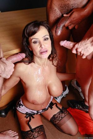 Browsing Xxx Pictures for Lisa ann..
