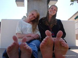 Foot Fetish Forum: College Feet..