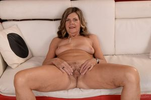 Mature horny,Very Horny Mature,Horny..