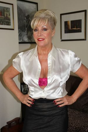 Beautiful mature british model Jamie R..