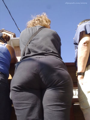 Big candid asses from GLUTEUS DIVINUS..