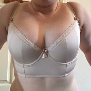 Review of Wellfitting's Beige Nude..