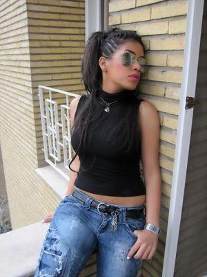Stylish Lebanese Teen Girl Picture..