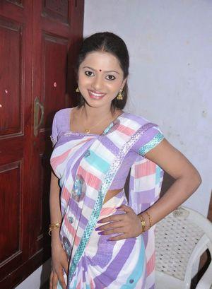 Tamil Film Actress Vaidehi Cute Saree..