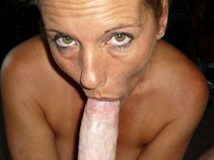 Amateur MILF Laura Loves To Suck Cock..