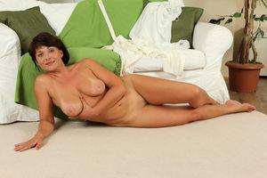 Belle mature beauty age 38 still has a..