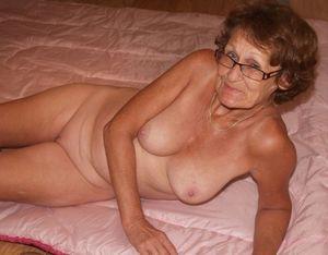 Голые старые женщины..