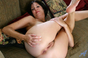 Naked mature in photography - MILF