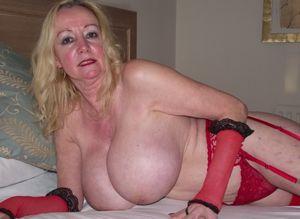 Magnificent big gilf tits - Porn archive
