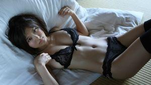 Download Wallpaper girl asian bed..