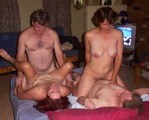 amateur mature swingers porn
