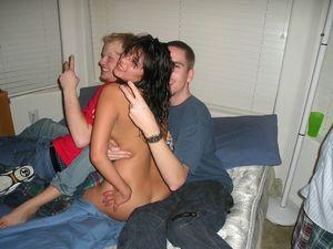 Horny Amateur: Gutter Uncensored