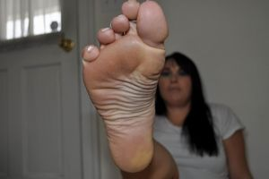 Feet and Soles for Pathetic Losers..