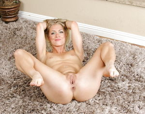 beautiful mature nude