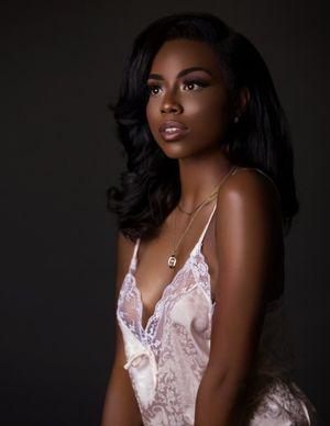 Images of Beautiful Dark Skinned Black..