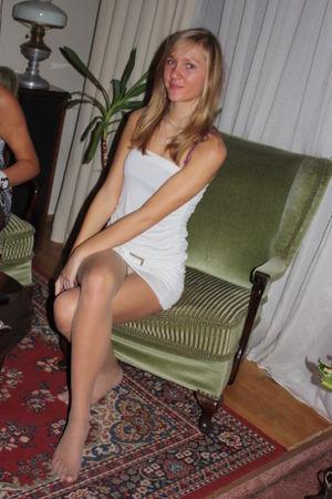 Posing -  - Candid Legs